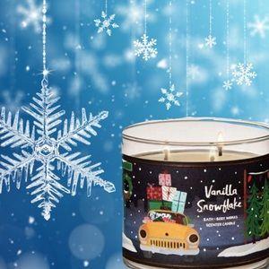 "NEW ""Vanilla Snowflake"" Candle"